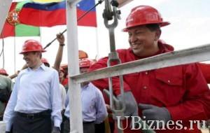 Уго Чавес на заводе по переработке нефти.