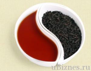 Миска в сталей Инь-Янь с красной водой и черным чаем Да Хун Пао