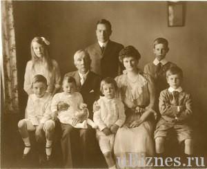 Джон Рокфеллер и его пять внуков