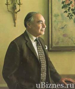 Гарри Фредерик Оппенгеймер - нынешний владелец  имущества и глава семьи