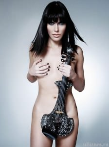Скрипка Линзи Стоппард со своей создательницей