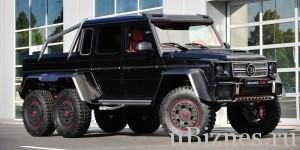 Огромный черный джип с шестью колесами